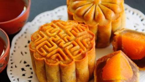3 KHÔNG cần nhớ khi ăn bánh Trung thu kẻo