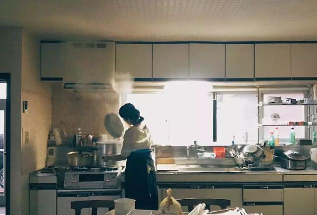 Đây là độc tố gây ung thư nhóm 2A mà WHO gọi là kẻ giết người trong nhà bếp: Nhiều bà nội trợ tiếp xúc mỗi ngày mà chưa biết cách bảo vệ mình đúng nhất-1
