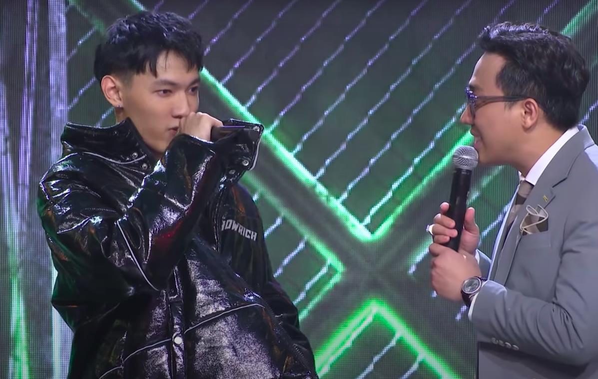 MC Trấn Thành bị chỉ trích thiếu chuyên nghiệp, thiên vị khi chỉ chăm chú vào Tlinh, Tage-3