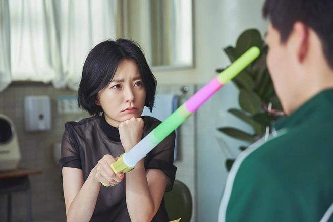 """The School Nurse Files: Sợ xám hồn mấy bé thạch"""" siêu nhầy nhụa, may quá Nam Joo Hyuk không phá team""""-24"""