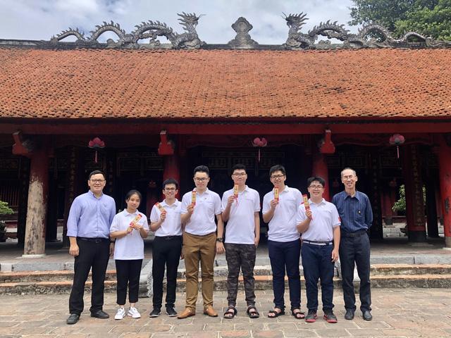 Việt Nam giành 2 Huy chương Vàng tại Olympic Toán học Quốc tế năm 2020-1