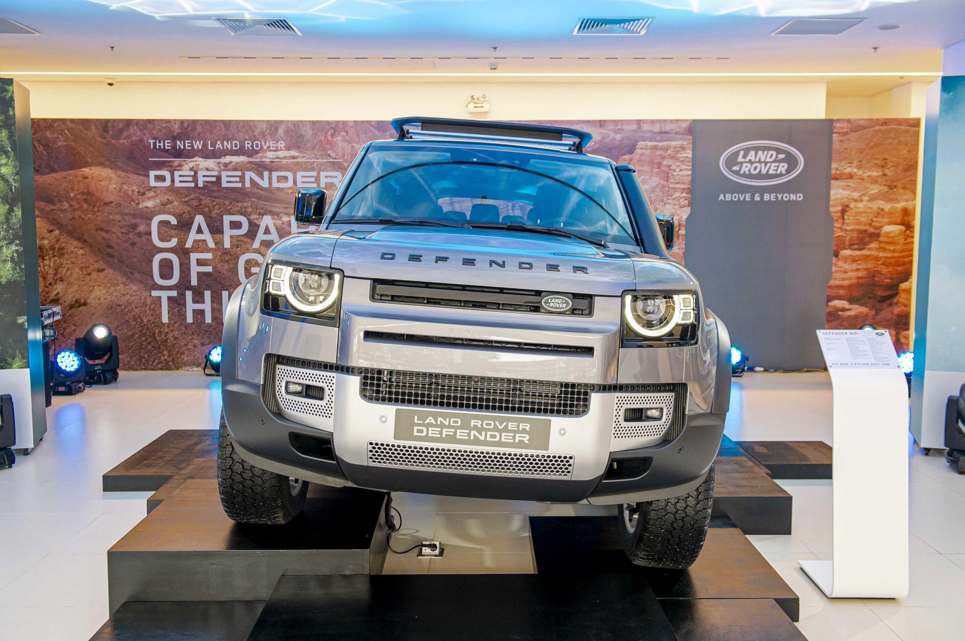 Cận cảnh Land Rover Defender 2020 vừa ra mắt tại đại lý ở Hà Nội -1