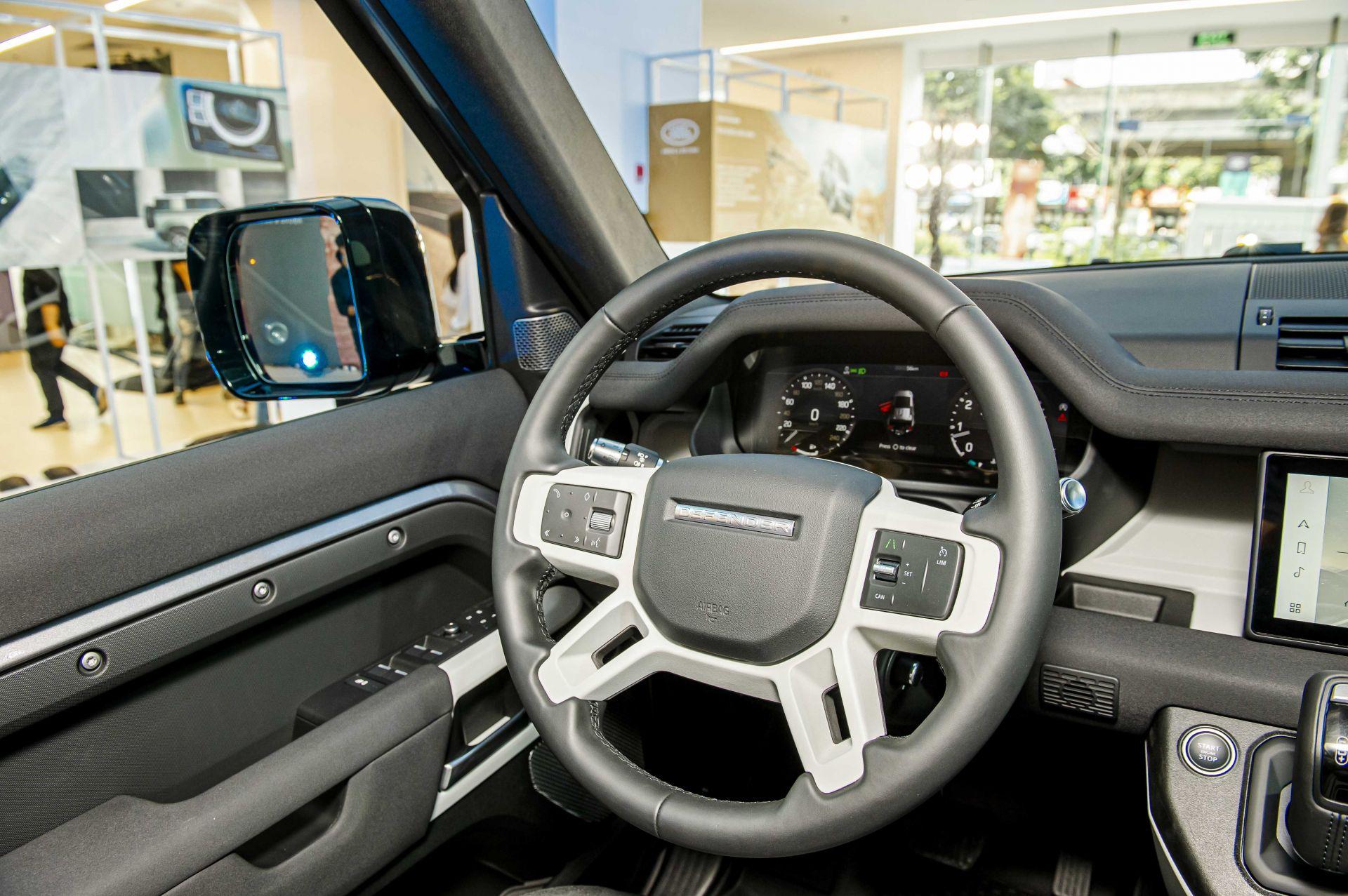 Cận cảnh Land Rover Defender 2020 vừa ra mắt tại đại lý ở Hà Nội -9