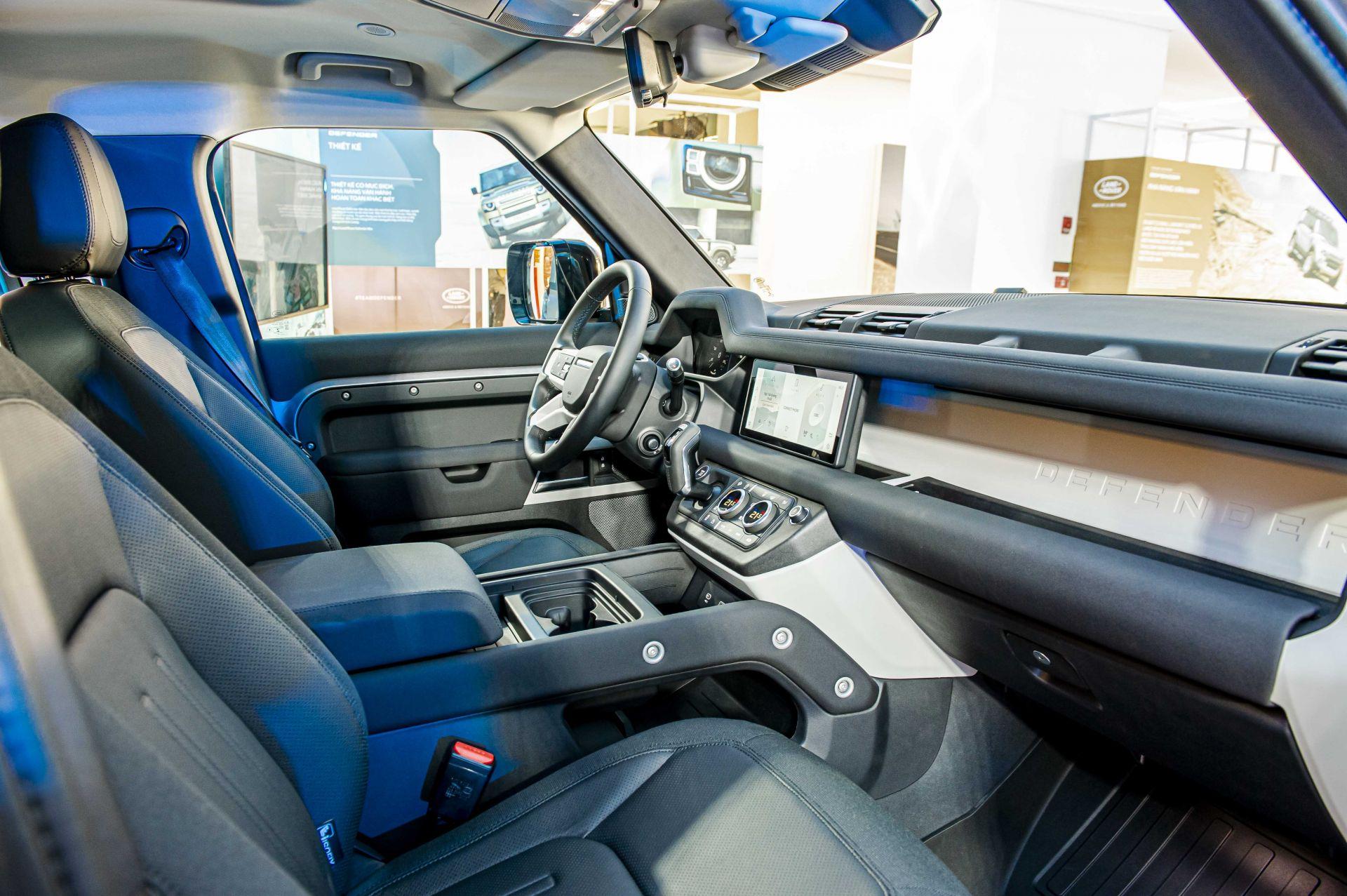 Cận cảnh Land Rover Defender 2020 vừa ra mắt tại đại lý ở Hà Nội -4