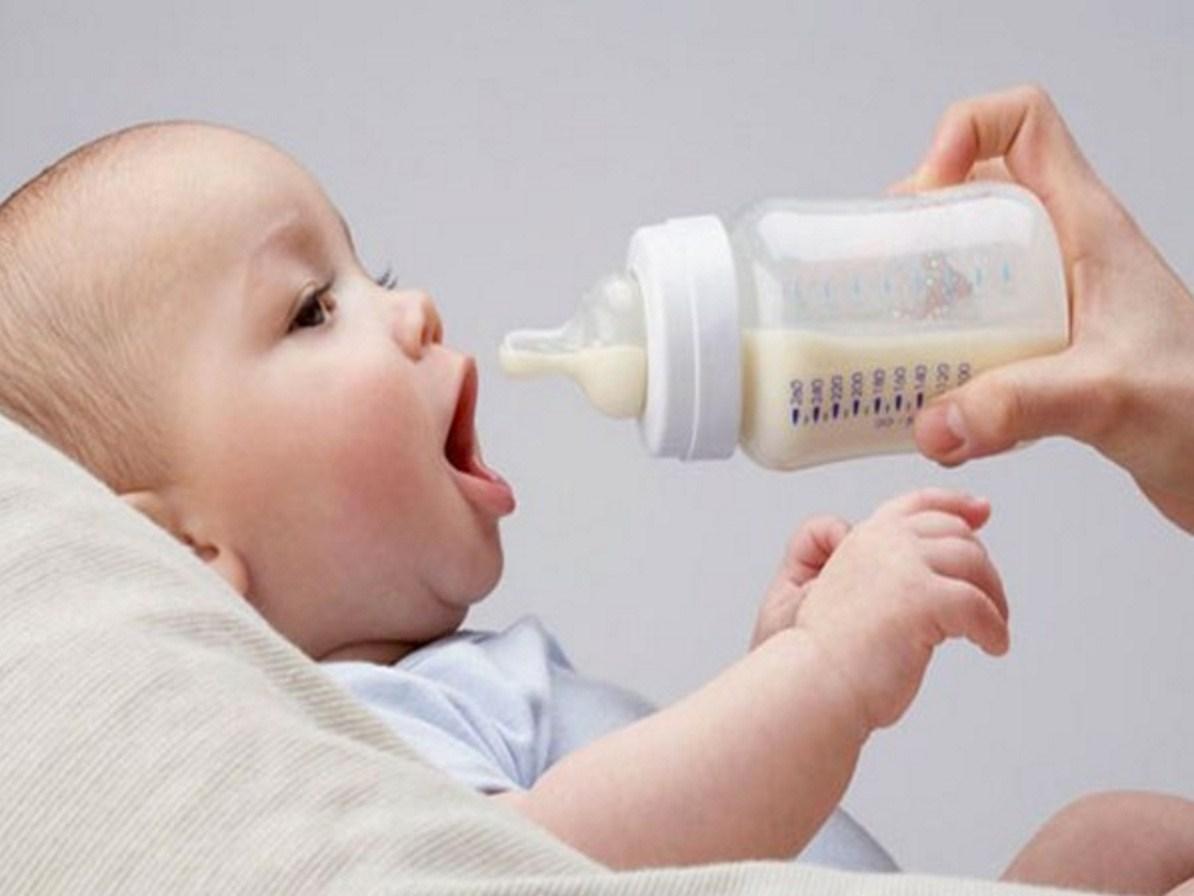 """Rửa bình sữa theo cách này chẳng khác nào cho trẻ uống sữa độc"""", các mẹ cần lưu ý-2"""