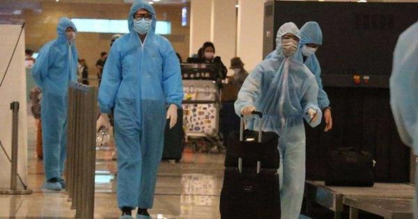 Đưa hơn 230 công dân Việt Nam từ Singapore về nước
