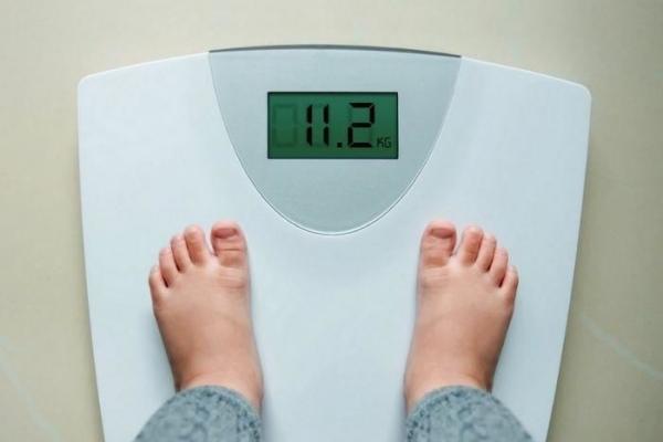 Làm sao để cân nặng của con không còn là gánh nặng của cha mẹ?