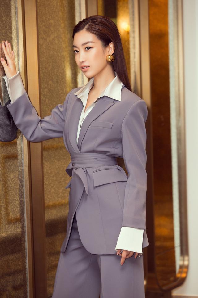Á hậu Thụy Vân đọ sắc cùng Hà Kiều Anh tại Hoa hậu Việt Nam 2020-8