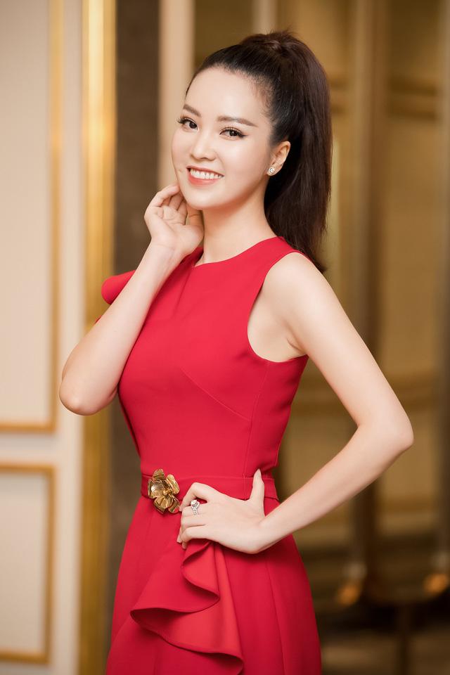 Á hậu Thụy Vân đọ sắc cùng Hà Kiều Anh tại Hoa hậu Việt Nam 2020-2