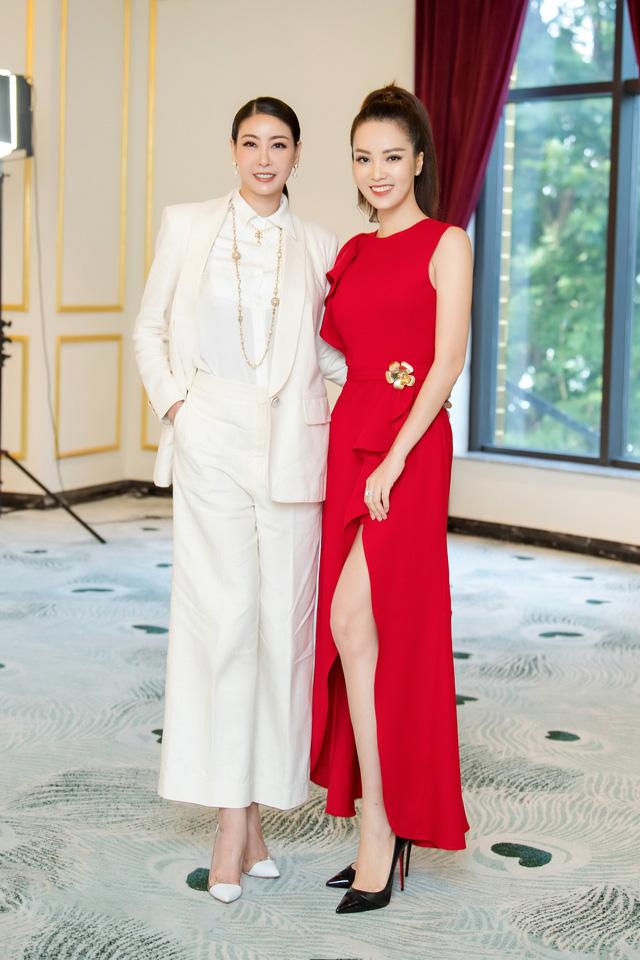 Á hậu Thụy Vân đọ sắc cùng Hà Kiều Anh tại Hoa hậu Việt Nam 2020-5