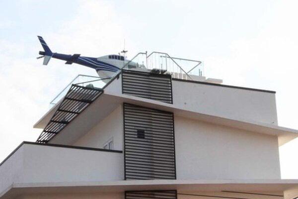 Trùm cá độ bóng đá nghìn tỷ trưng máy bay trực thăng mô hình trên nóc nhà ở Hải Dương-2