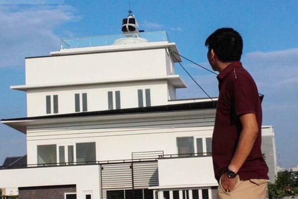Trùm cá độ bóng đá nghìn tỷ trưng máy bay trực thăng mô hình trên nóc nhà ở Hải Dương-1