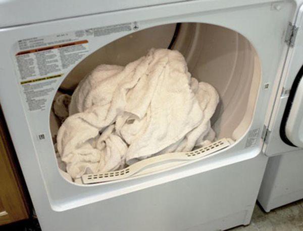 Khăn tắm làm theo cách này không bị hôi, lau xong vẫn còn thơm như mới-3