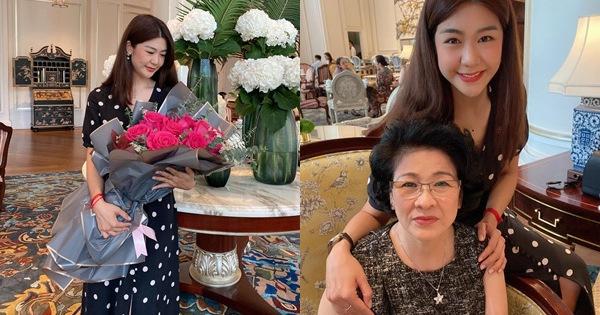 Nữ cơ trưởng Huỳnh Lý Đông Phương đón tuổi 33 giản dị bên bạn bè người thân, nhan sắc