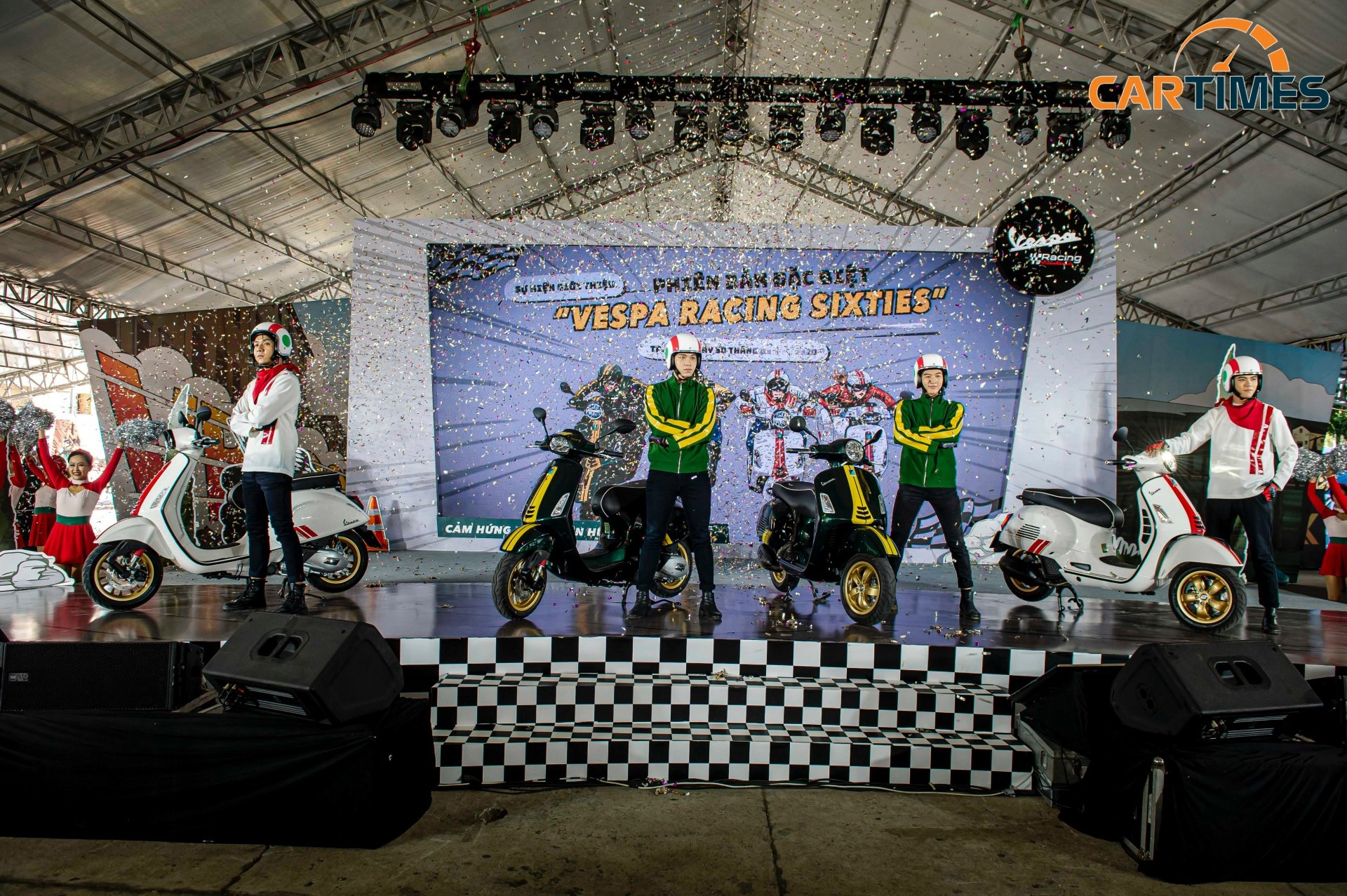 Vespa Racing Sixties phong cách xe đua ra mắt thị trường Việt Nam, giá từ 95 triệu đồng -1