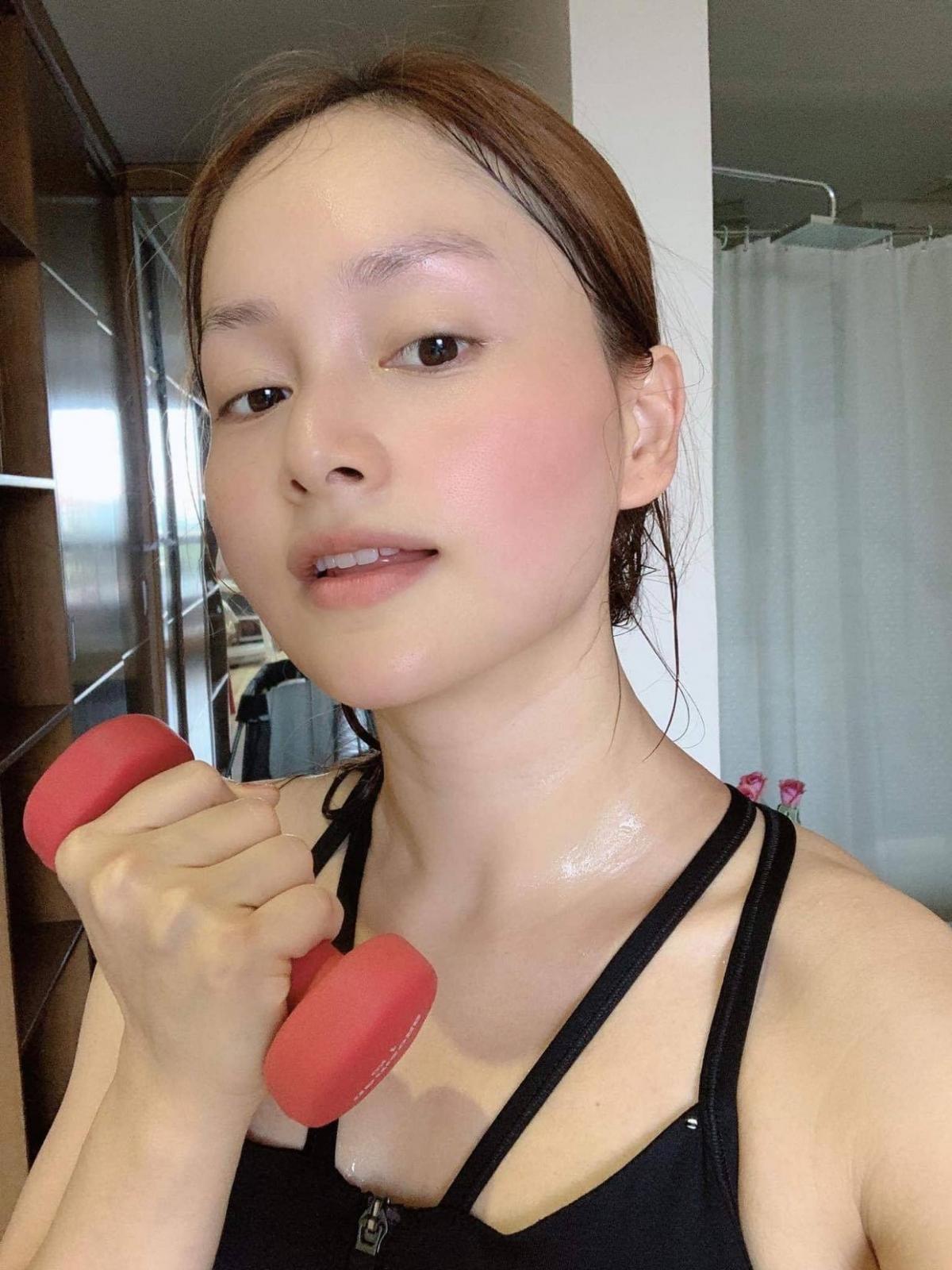 Từng tăng 18kg khi mang bầu, Lan Phương về dáng thần tốc sau sinh, tự tin đọ sắc hoa hậu-11