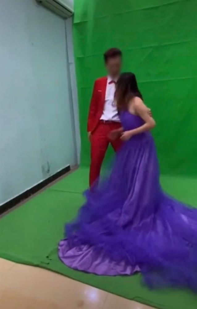 Xích mích khi chụp ảnh cưới, chú rể tát thẳng vào đầu cô dâu và màn lao vào combat của cô gái trẻ khiến tất cả đứng hình-3