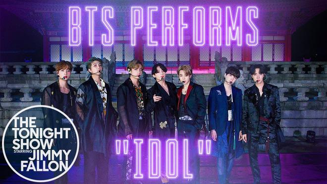 BTS mặc đồ ngủ diễn trong sân khấu HOME tại Jimmy Fallon, Jimin được cameraman ưu ái nhưng visual của Jungkook mới là spotlight!-1