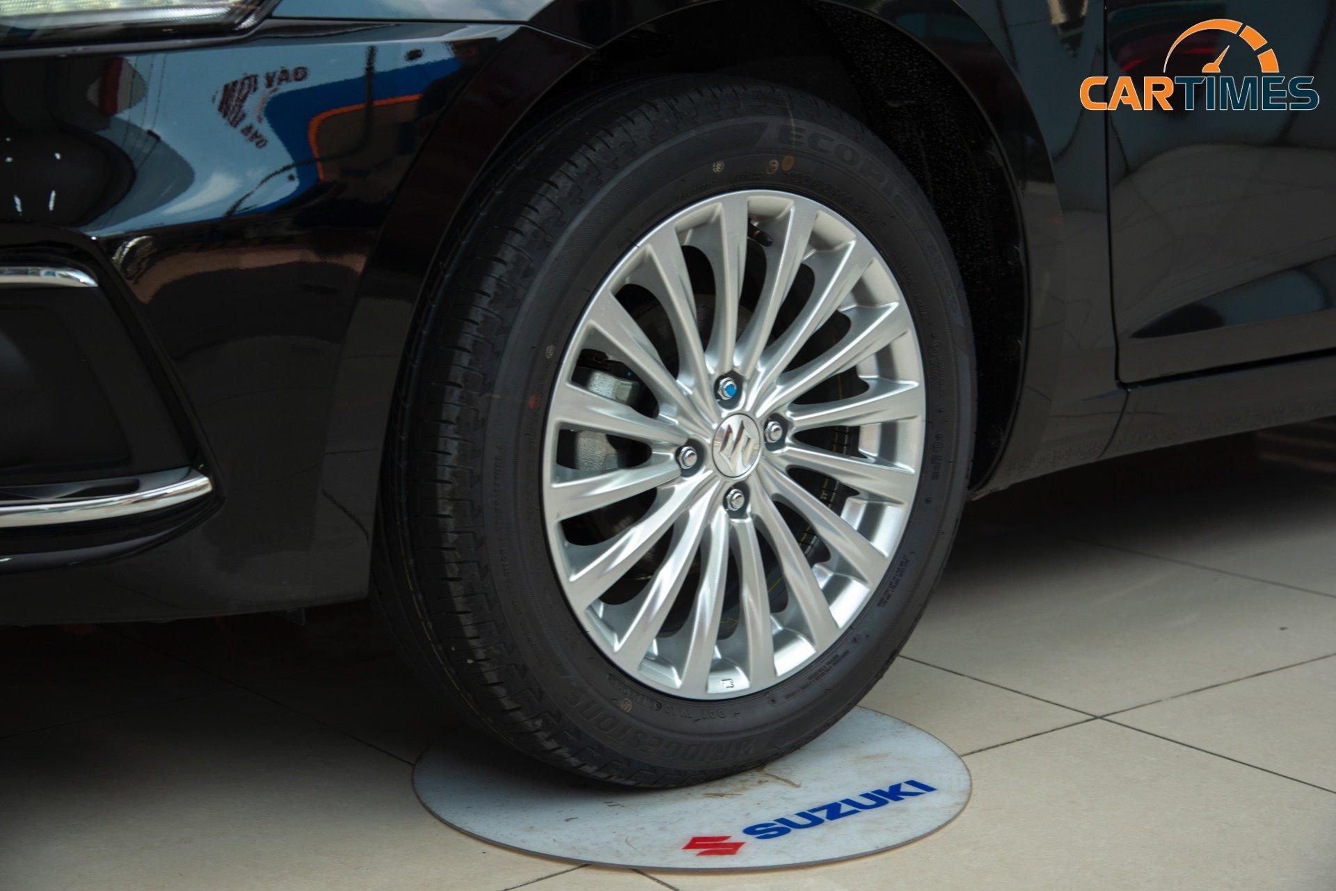 Chi tiết xe Suzuki Ciaz 2020 tại đại lý: Nâng cấp ngoại thất, tích hợp sẵn camera hành trình -11
