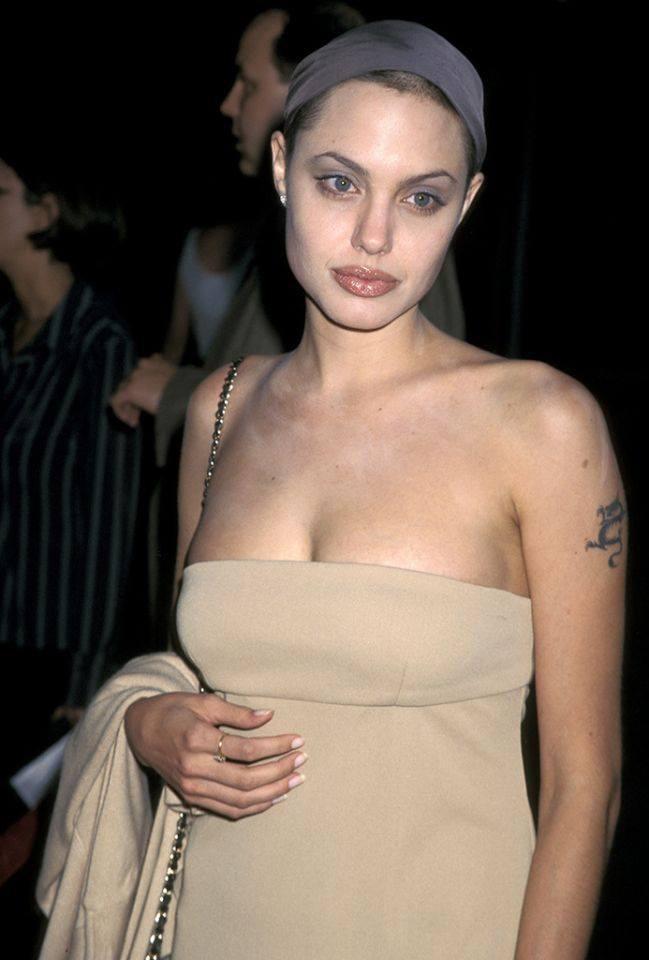 Dân tình đang náo loạn vì bộ ảnh Angelina Jolie ở thời kỳ đẹp nhất: Đẹp ngộp thở thế này bảo sao Brad Pitt mê, nhưng có gì đó sai sai-5
