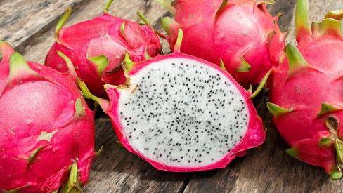 """Không muốn trái cây biến thành """"độc dược"""" thì tránh ăn 8 loại quả này vào buổi tối"""