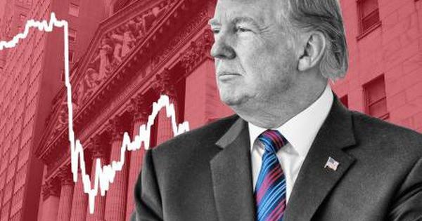 Nhà đầu tư Mỹ làm gì sau khi có tin ông Trump mắc Covid-19?