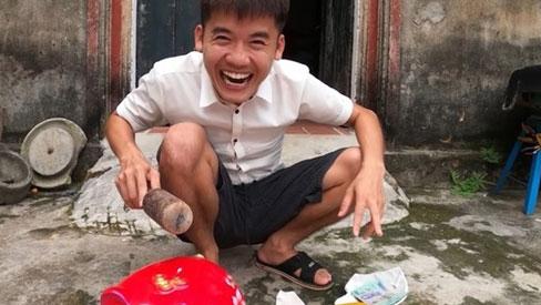 Hưng Vlog bị chỉ trích 'dạy trẻ ăn cắp' vì video trộm tiền