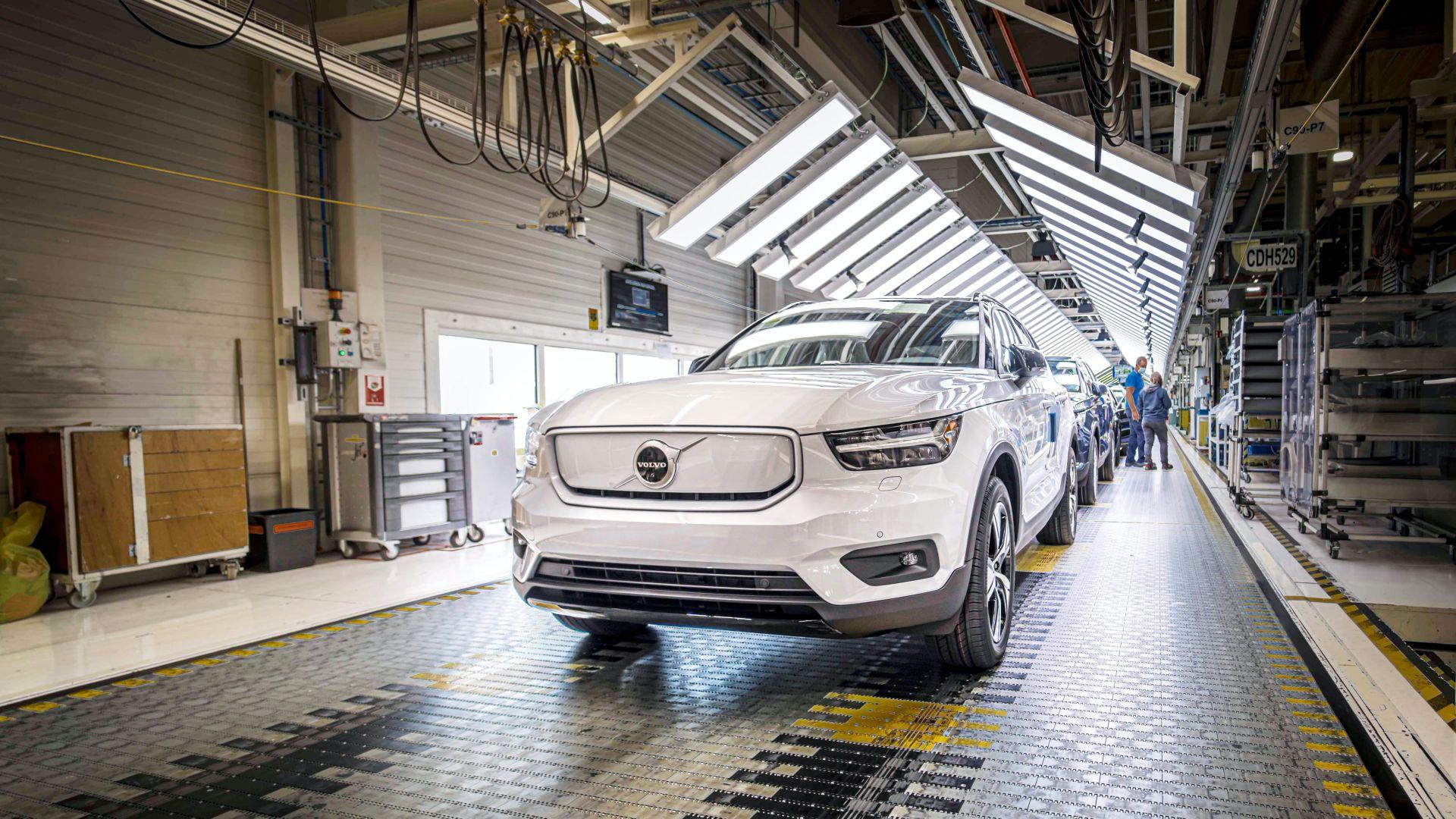 Mẫu xe điện đầu tiên của Volvo đi vào sản xuất, kín đơn hàng trong năm 2020