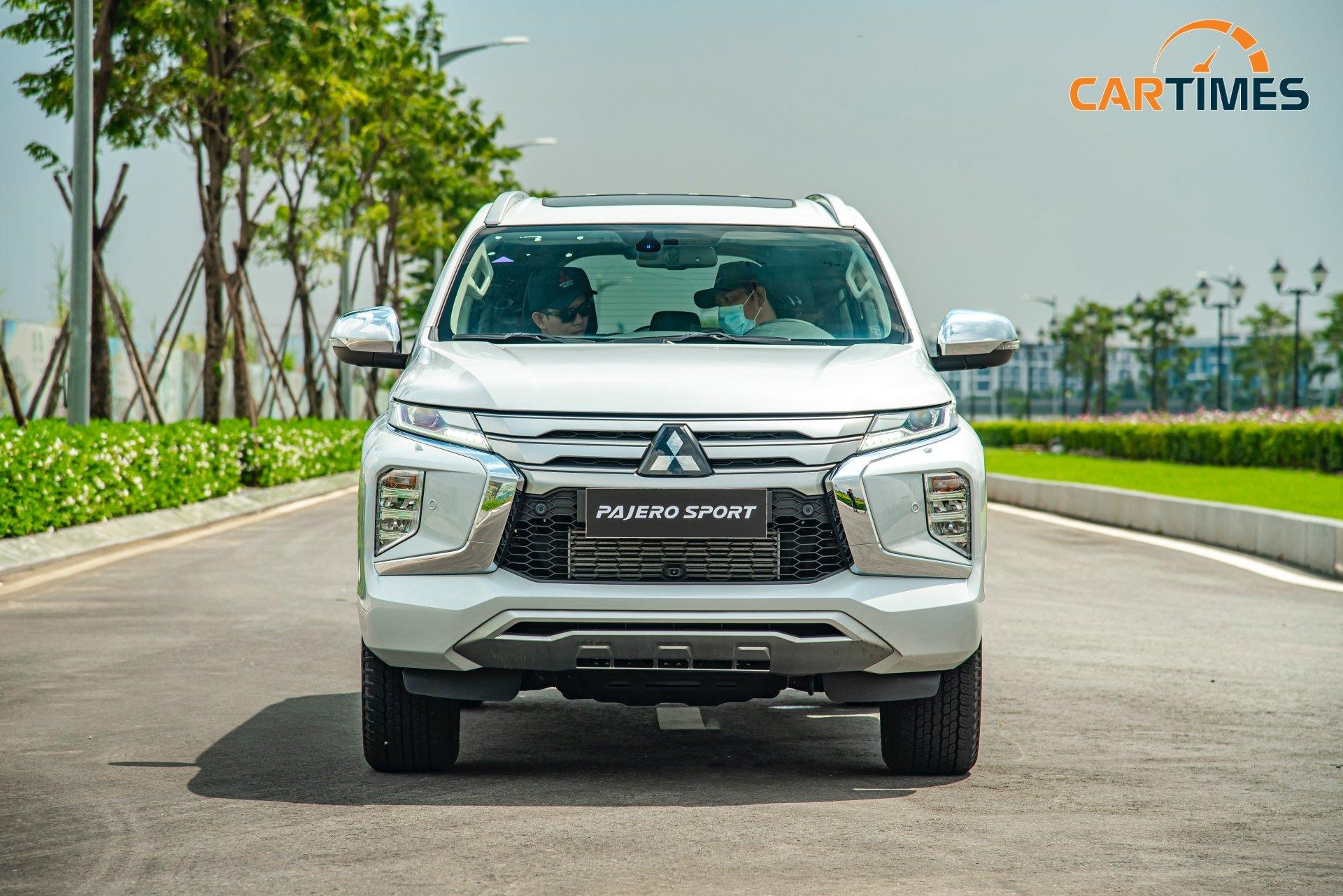 Cận cảnh xe Mitsubishi Pajero Sport 2020: Thêm trang bị an toàn, tối ưu vận hành