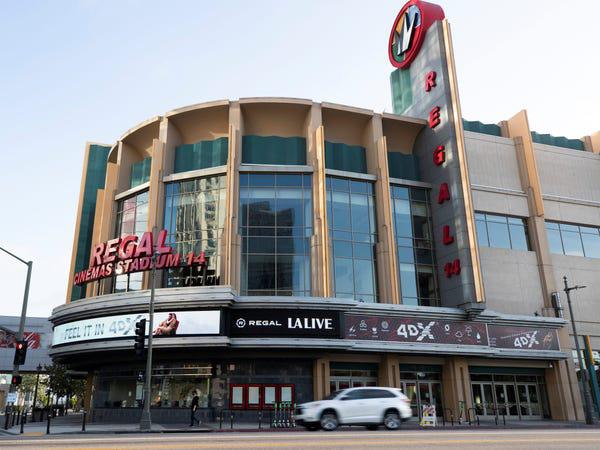 Chuỗi rạp phim lớn thứ 2 của Mỹ đóng cửa vô thời hạn toàn bộ 536 rạp vì Covid-19-1