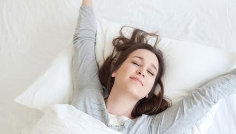 Dù bận rộn cỡ nào thì cũng phải làm được 4 việc vào buổi sáng, tránh 5 việc trong buổi tối, cơ thể sẽ cảm ơn bạn nhiều lắm