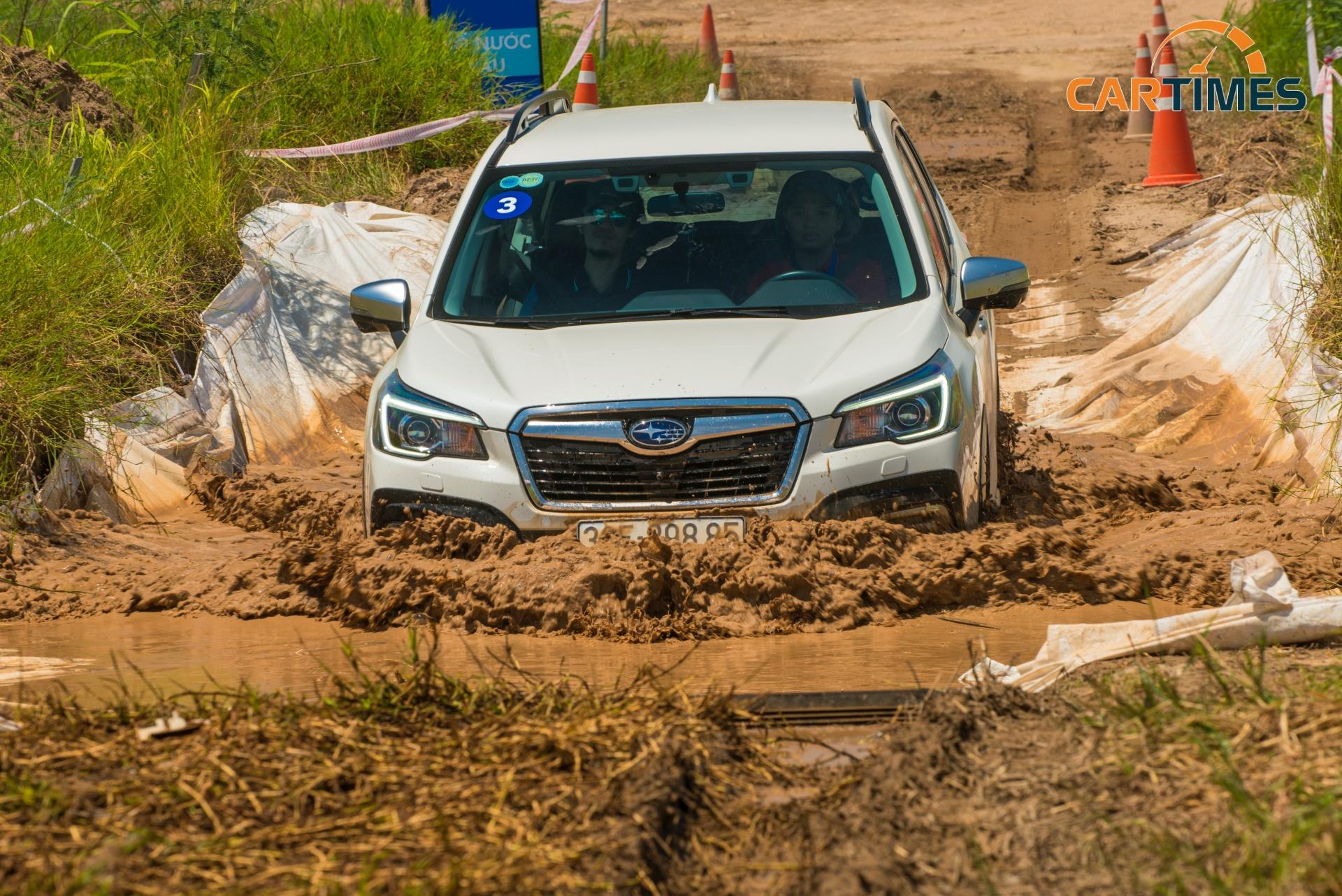 Subaru giảm giá bán xe Forester và bổ sung khuyến mãi trong tháng 10/2020 -1