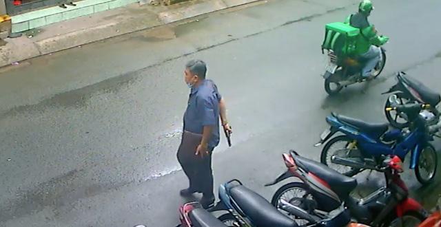 Lời khai của người đàn ông dùng súng nhựa doạ 2 người phụ nữ ở Sài Gòn-1