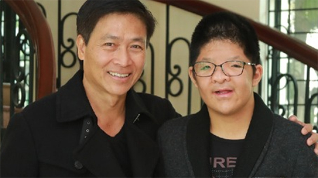 Bản hòa âm rung động triệu người của diễn viên Quốc Tuấn và con trai