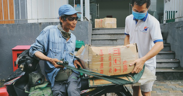 Chú shipper bị liệt 2 chân ở Sài Gòn: