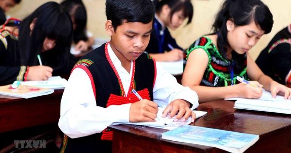 Bộ GDĐT thông báo thẩm định sách giáo khoa Tiếng dân tộc lớp 1