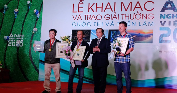 Ba tác giả đoạt Huy chương Vàng tại Cuộc thi và Triển lãm Ảnh nghệ thuật toàn quốc