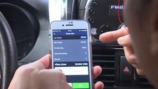 Taxi công nghệ tự thu thêm phí sử dụng nền tảng trên mỗi chuyến đi