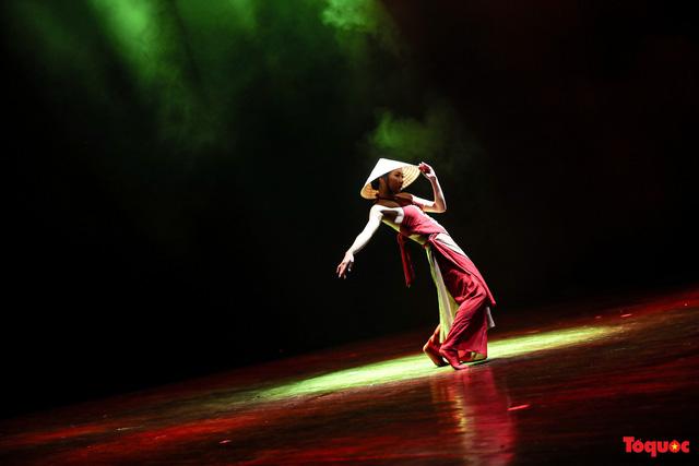 Sôi động ngày thi cuối cùng với nhiều tiết mục ấn tượng trong cuộc thi Tài năng diễn viên múa 2020 khu vực phía Bắc-4