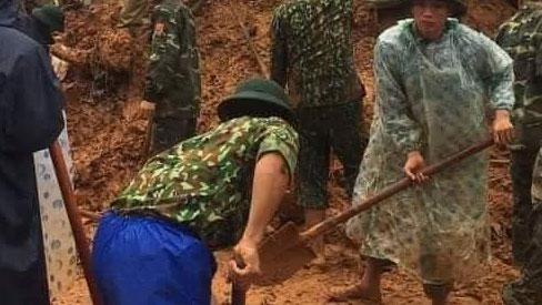 Sạt lở đất vùi lấp 22 cán bộ, chiến sĩ tại Quảng Trị: Đã tìm thấy thi thể đầu tiên
