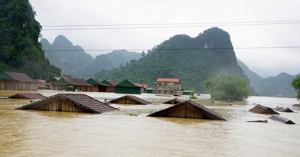 Tin lũ khẩn cấp trên các sông ở Quảng Bình, lũ trên các sông từ Nghệ An đến Thừa Thiên Huế