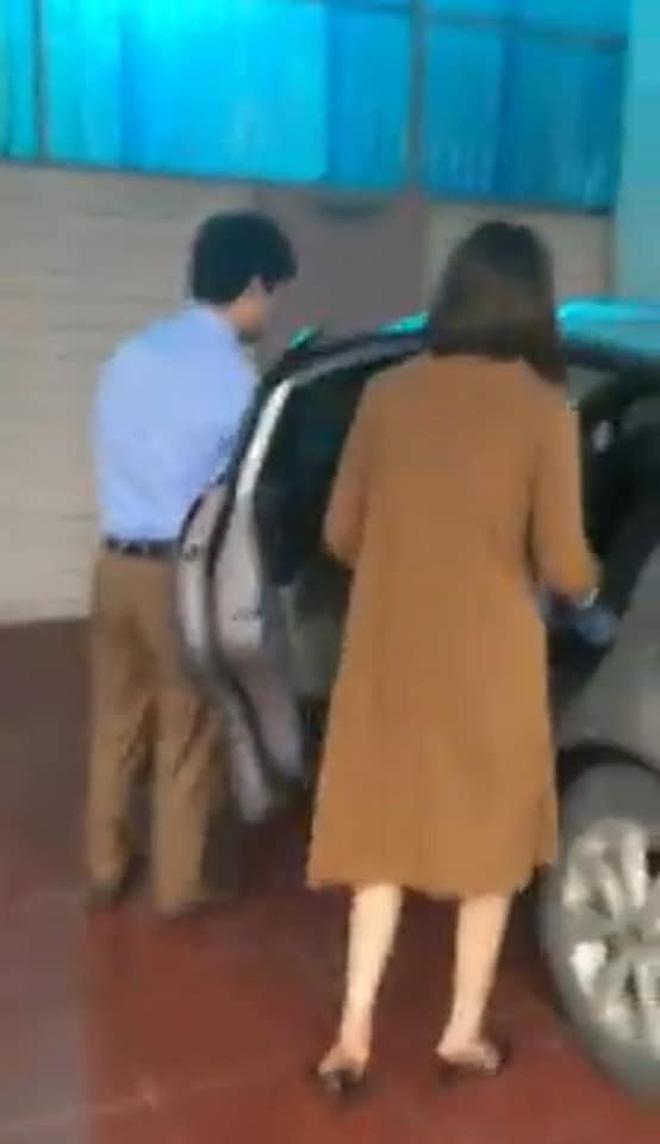 Bị chồng bắt ghen đi với ông chú từ nhà nghỉ, người vợ vẫn thản nhiên bước lên ô tô rồi tỏ vẻ mệt mỏi: Em say rồi, em không biết-2