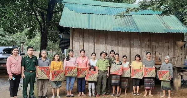 Bác bỏ thông tin cán bộ ở Quảng Trị chia nhau lương khô cứu trợ