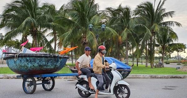 Đà Nẵng dừng các cuộc họp, hội nghị không cần thiết, cho học sinh nghỉ học, khẩn trương ứng phó bão số 9