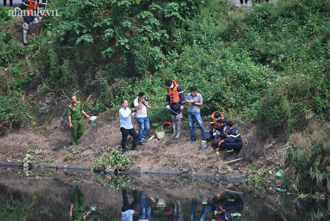 Người thân nữ sinh Học viện Ngân hàng khóc ngất tại hiện trường phát hiện thi thể-2