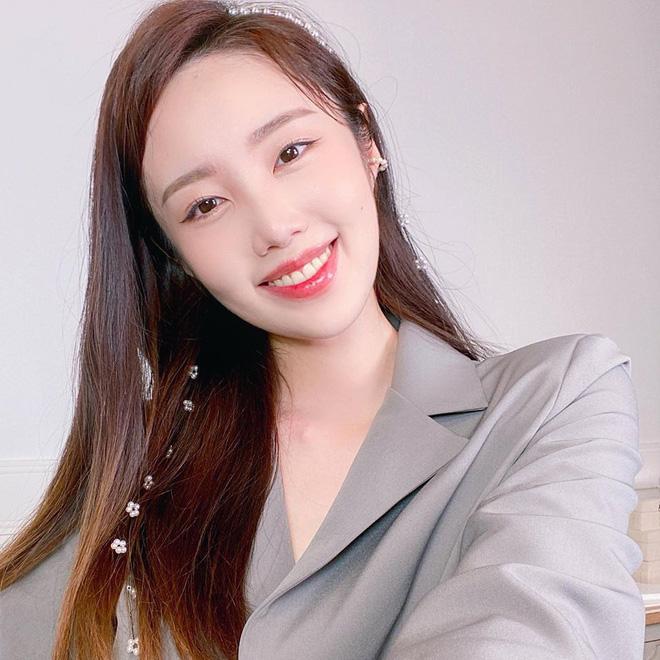 Nữ Youtuber Hàn chia sẻ 4 bài tập giúp chân cột đình thon thả hơn, dành riêng cho những nàng lười-1