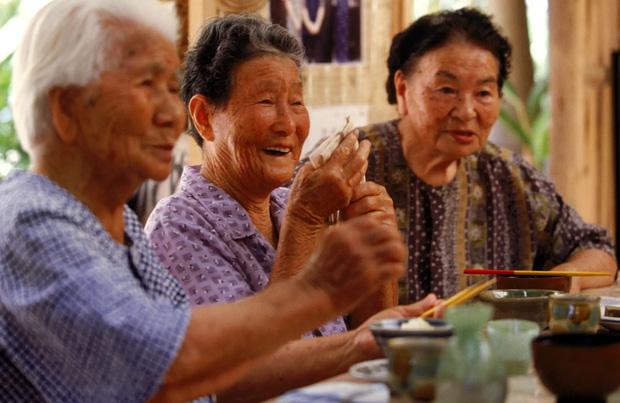 4 nguyên tắc ăn tối đặc biệt mà người Nhật áp dụng để đảm bảo không bị béo phì, tuổi thọ luôn trong top 1 thế giới-1