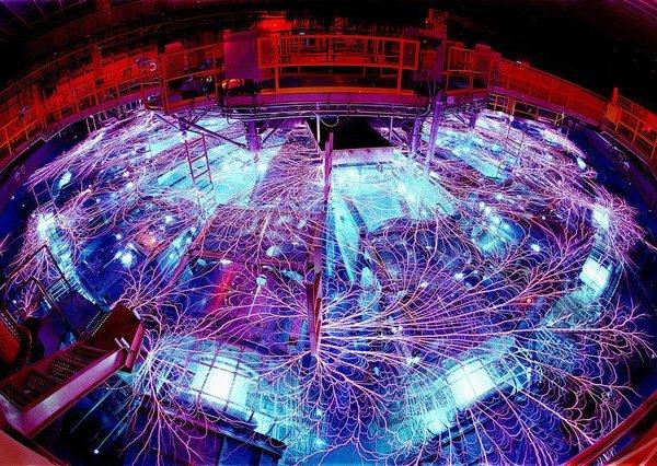 Clip: Cận cảnh cỗ máy tạo ra nguồn năng lượng lớn nhất thế giới