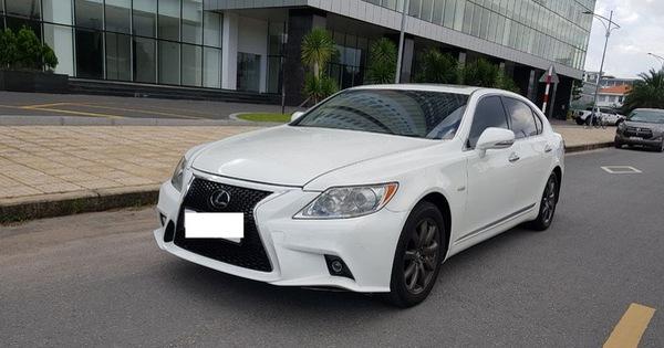 Kì công nâng cấp diện mạo, Lexus LS 460L vẫn bán lại rẻ hơn đàn em Toyota Camry 2020