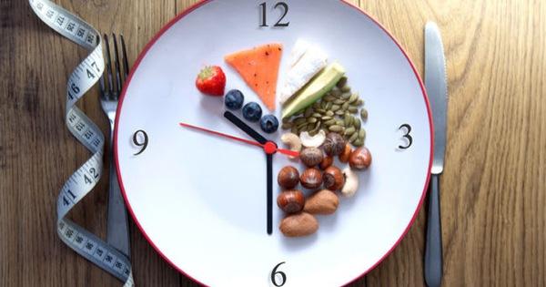Sau 1 năm áp dụng nhịn ăn gián đoạn, đây là 10 điều đáng chia sẻ tôi đã rút ra được: Chế độ ăn có hiệu quả là chế độ ăn phù hợp nhất